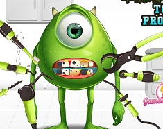 Monstrul Mike la Dentist