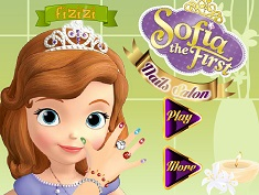 Sofia Intai la Salonul de Manichiura