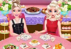 Barbie si Elsa Intalnire la Bufet