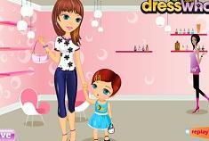 Bebelusa si Mamica la Salon