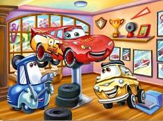 Puzzle cu Fulger McQueen in Atelier