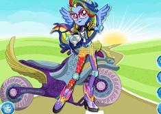 Rainbow Dash in Stil Motociclist