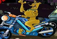 Scooby Doo pe Motocicleta