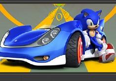 Sonic X Puzzle cu Masini de Curse